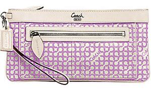 coach-penelope-op-art-clutch-lilac