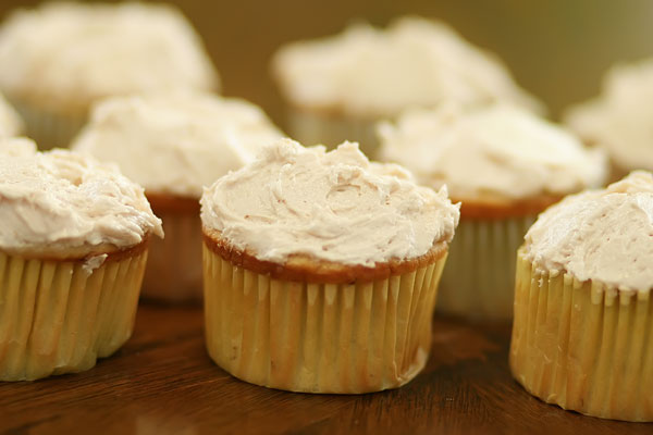 Banana Cupcakes with Peanut Butter Buttercream Frosting