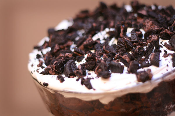 oreos-ultimate-chocolate-brownie-trifle-cake