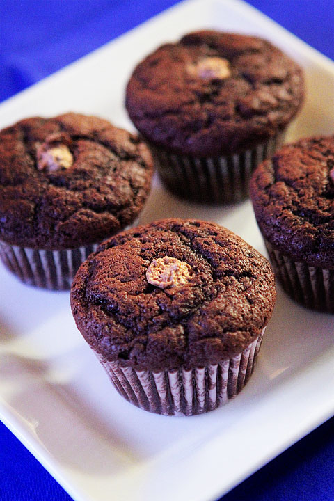 Joan's on Third Snickers Cupcakes Recipe