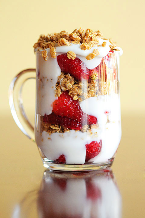 fruit and yogurt parfait-04