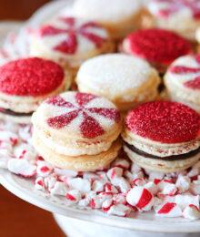 Christmas Macarons.Vanilla Bean Macarons With Christmas Frosting
