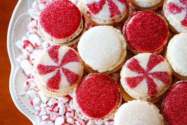Christmas Macarons.Vanilla Bean Macarons With Christmas Frosting Holiday
