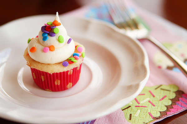 Moist, Light, and Fluffy Vanilla Funfetti Cupcakes with Sprinkles