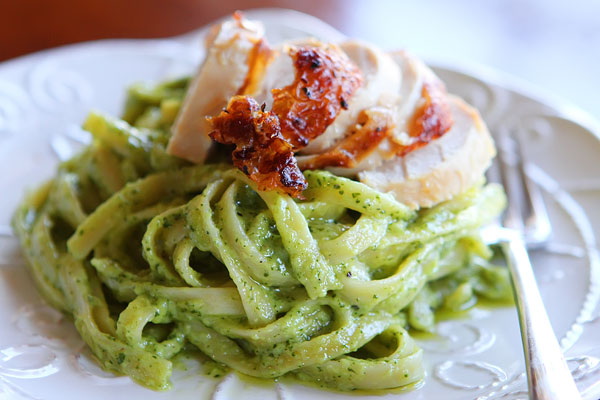 Pioneer Woman Pasta with Pesto Cream Sauce Recipe