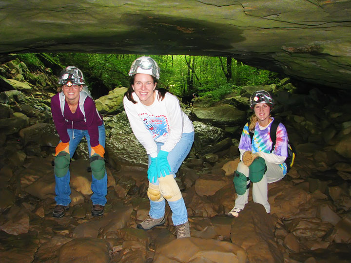 Exploring the Tunnels at Limrock Blowing Cave! 05