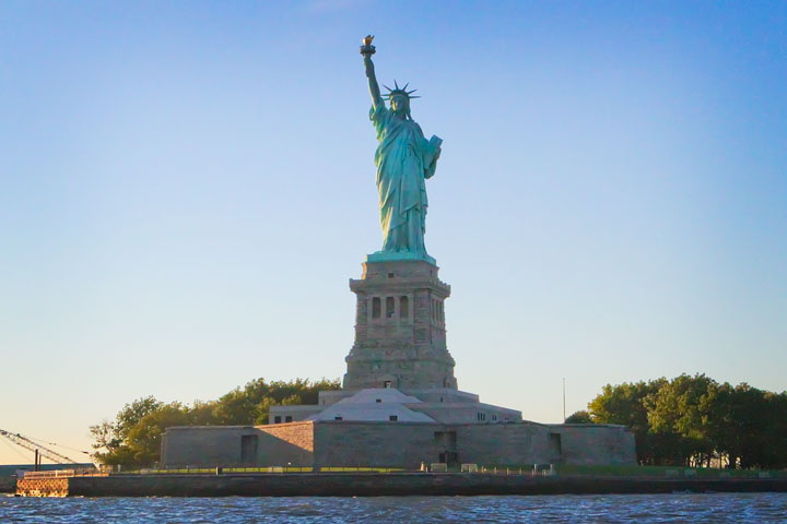 New-York-Media-Boat-Adventure-Sightseeing-Tour-22a