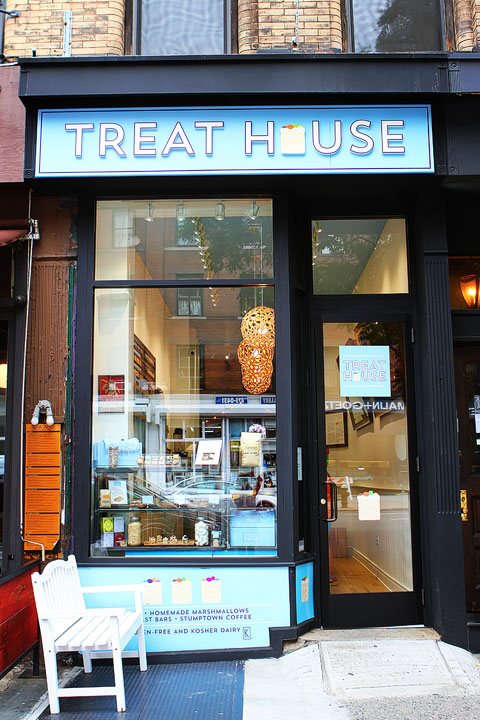 Treat House, NYC -- A fun bakery featuring gourmet Mini Rice Krispy Treats!