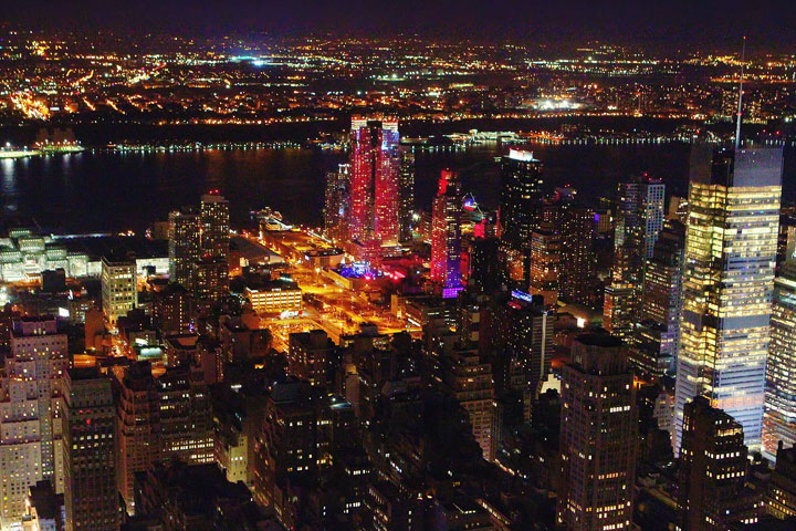 view-from-empire-state-building-at-night-4
