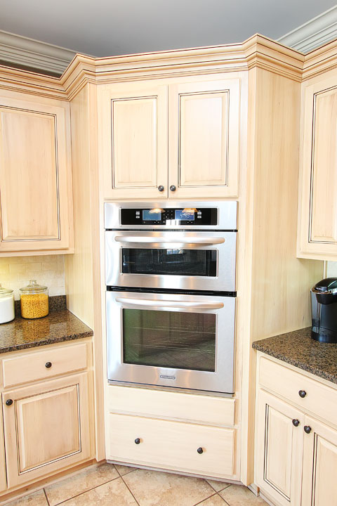 Stainless Steel KitchenAid Kitchen Makeover