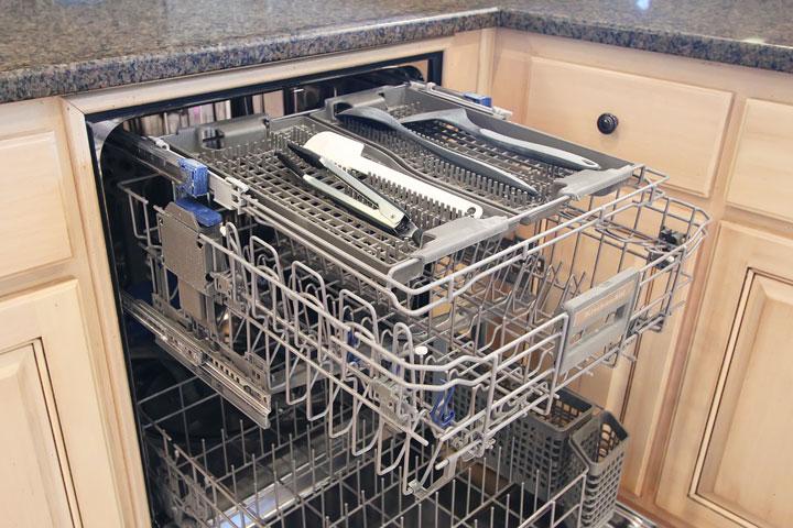 Stainless Steel KitchenAid Kitchen Makeover