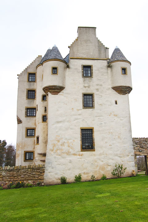 Stay in your own private Castle in Edinburgh, Scotland – Fa'side Castle. Tips for Traveling to Scotland. www.kevinandamanda.com