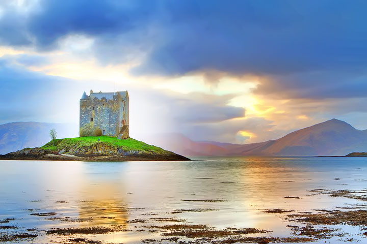Castle Stalker. Tips for Traveling to Scotland. What to Do, See, & Eat. www.kevinandamanda.com