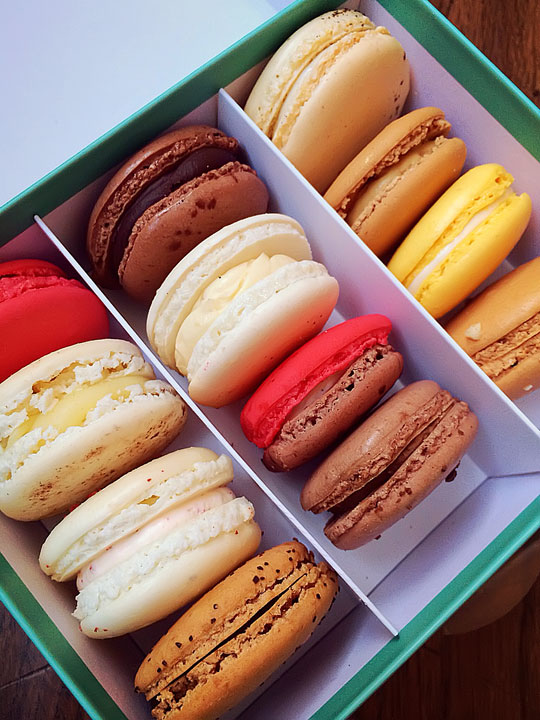 French Macarons Fortnum & Mason. Tips for Planning a London Vacation. www.kevinandamanda.com. #travel #london #england