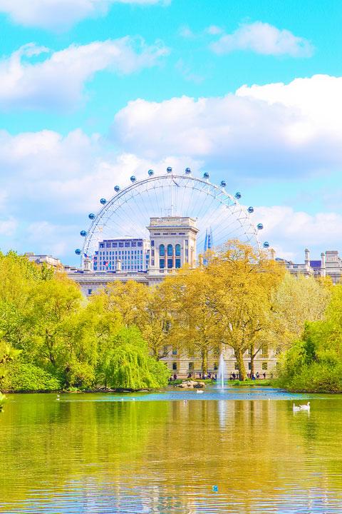 St. James Park, London. Tips for Planning a London Vacation. www.kevinandamanda.com. #travel #london #england