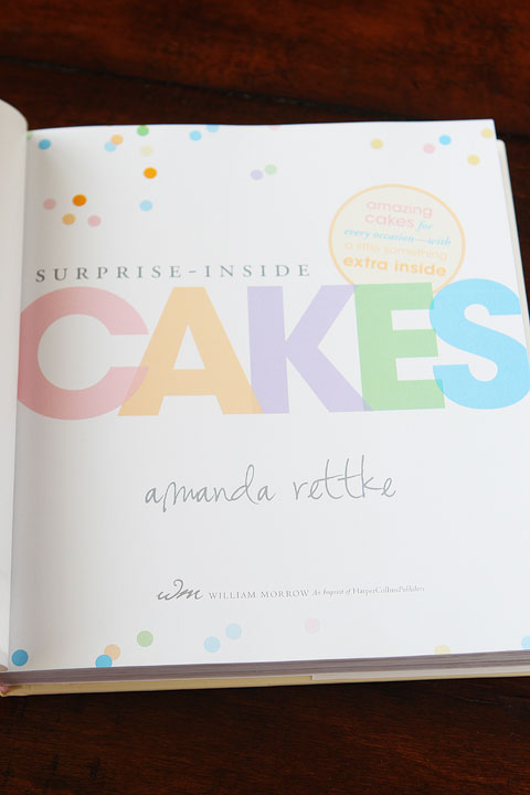 Surprise Inside Cakes Cookbook by Amanda Rettke Review. #cakedecorating #cookbook #recipe #giveaway
