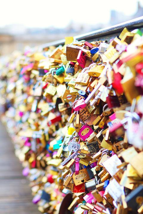 Pont des Arts AKA The Love Lock Bridge, Paris. Tips for planning a Paris Vacation. www.kevinandamanda.com #paris #travel #france