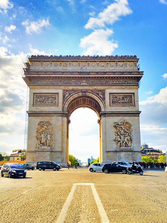 Arc de Triomphe, Paris. Tips for planning a Paris Vacation. www.kevinandamanda.com #paris #travel #france