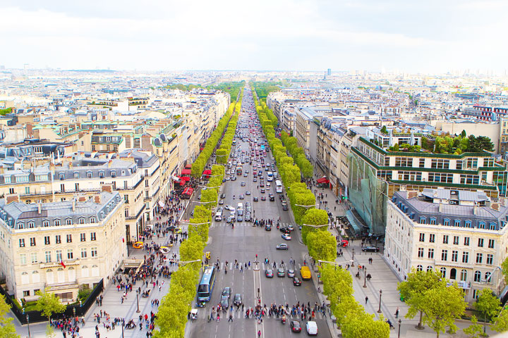 View from the Arc de Triomphe, Paris. Tips for planning a Paris Vacation. www.kevinandamanda.com #paris #travel #france