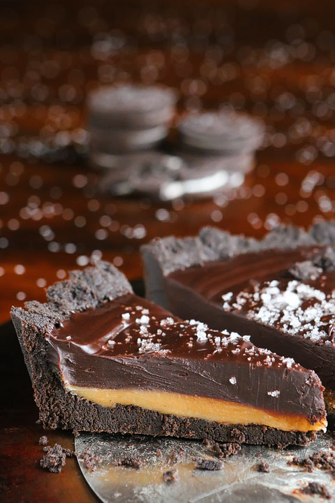 Dark Chocolate Salted Caramel Pie