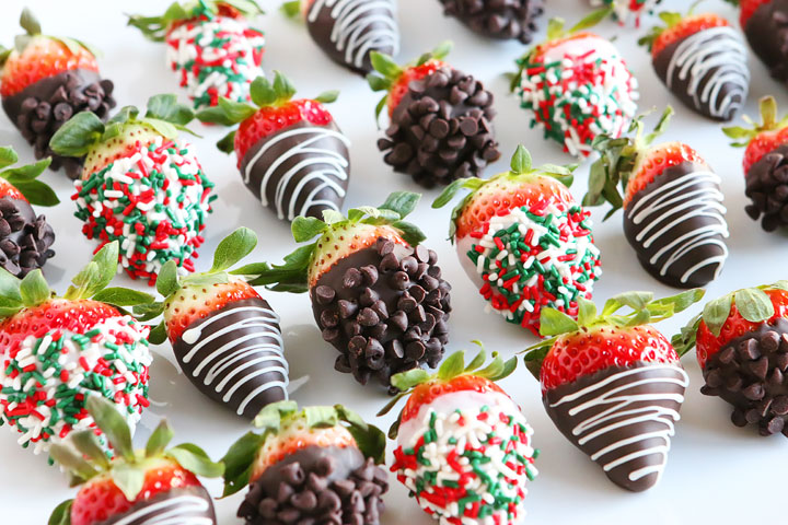 Christmas Chocolate Covered Strawberries!