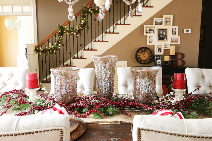 Dying over this gorgeous southern home decorated for the holidays!! So many great ideas and inspiration for Christmas entertaining.