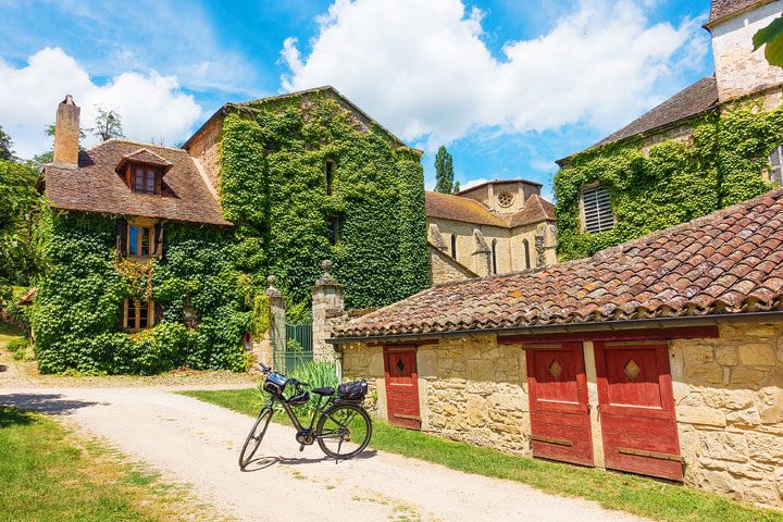 Summertime biking around the south of France... (Click for travel tips and itineraries)
