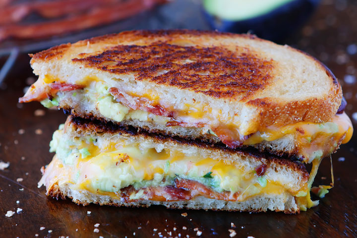 This is honestly the best grilled cheese ever!!