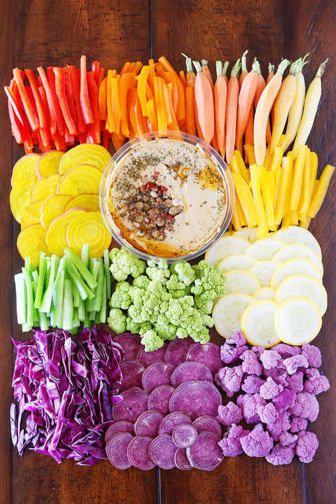 Everyone will love this fun Rainbow Vegetable Tray! Perfect for taking to a party!