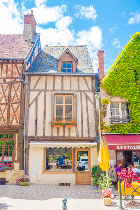 Exploring beautiful Castles of the Loire Valley in France, the perfect day trip from Paris with a Blue Fox Travel Small Group Tour!