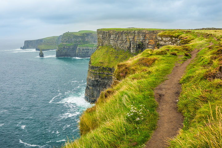 Everything you need to know about hiking the Cliffs of Moher in Ireland!