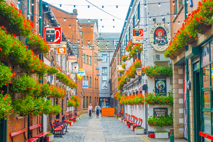 Planning a trip to Ireland? Here's why you should put Belfast on your list. Top things to do in Belfast, Ireland