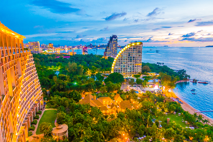 Pattaya is a family-friendly weekend getaway in Thailand with gorgeous beaches -- only one hour away from Bangkok!