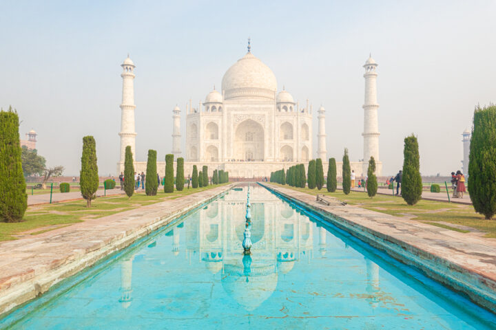 Zoomed in image of the Taj Mahal from the reflecting pool.