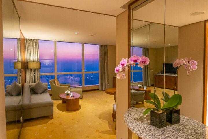 Corner Suite InterContinental Hanoi Landmark72