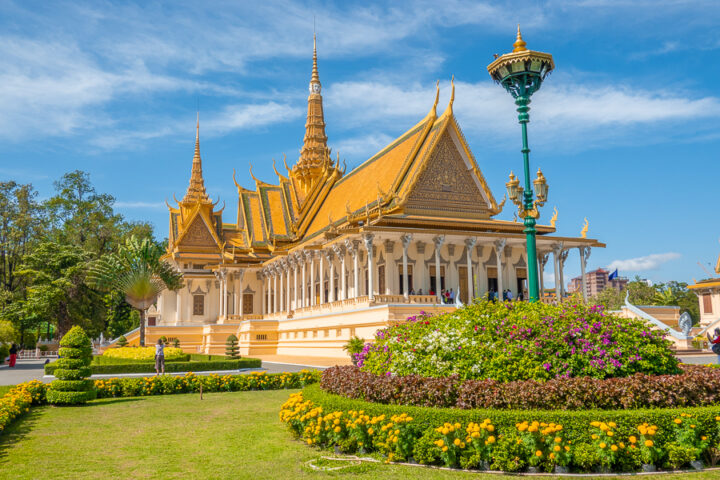 visit the Royal Palace during your visit to Phnom Pehn