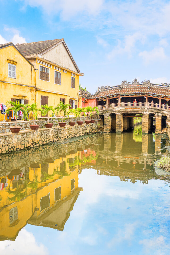 visit the Japanese Covered Bridge | best things to do in hoi an