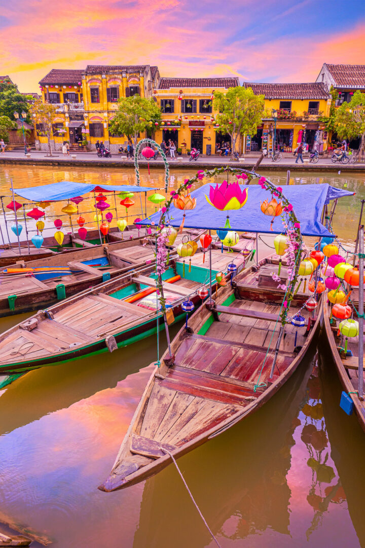 lantern boat ride | best things to do in hoi an