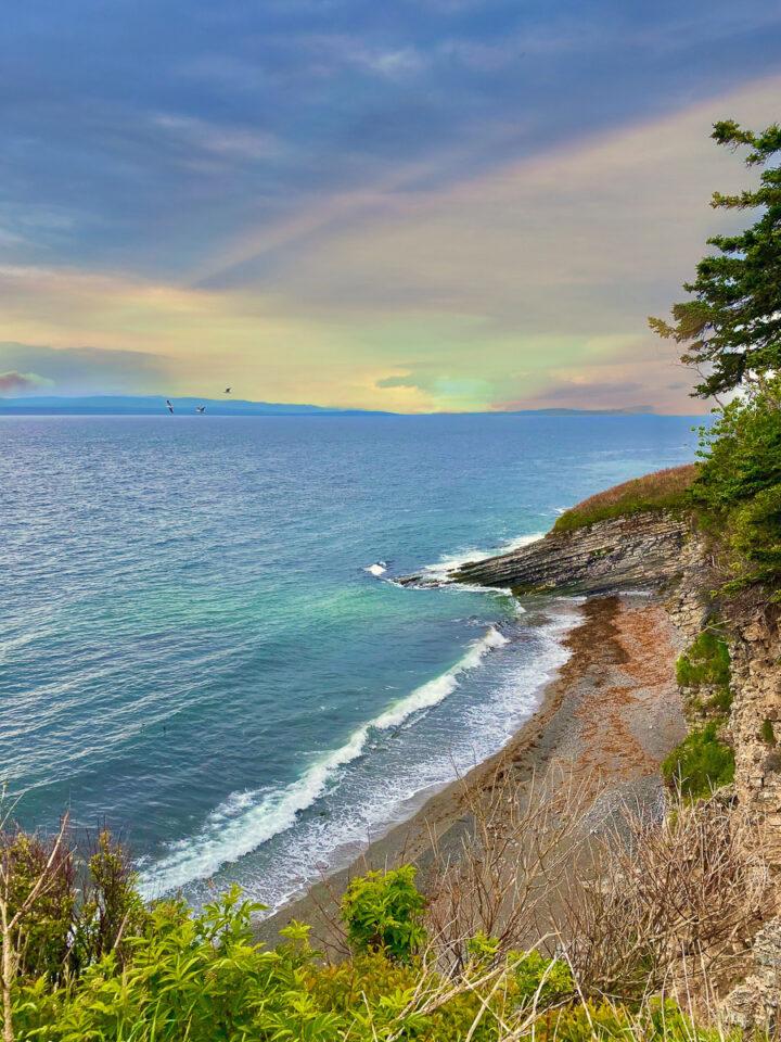 Views of the cliffs along the Cap Gaspé Hike in Gaspesie