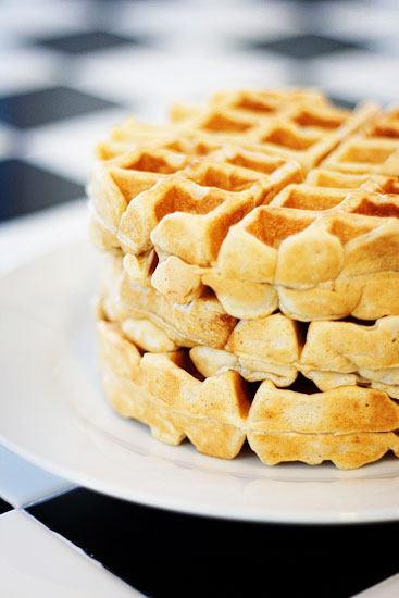 Cinnamon Nutmeg Waffles Recipe